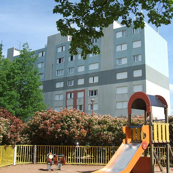 logement avec 4 chambres à louer à Roanne