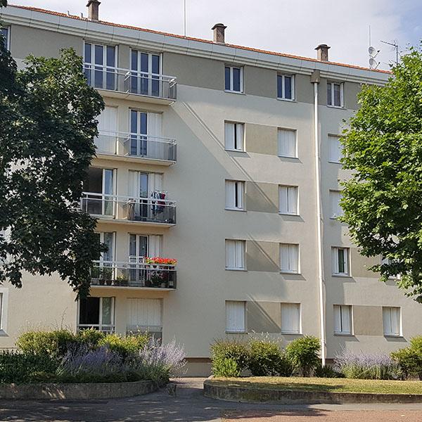 logement avec balcon 3 chambres à Roanne